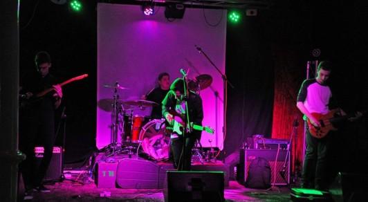 mosley-bar-live2
